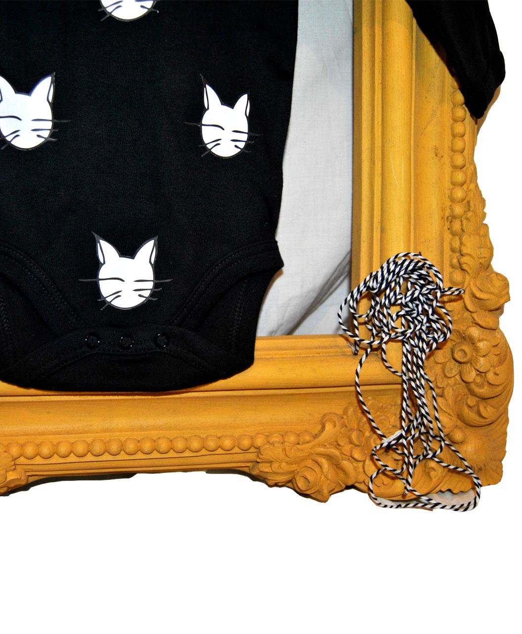 bodie algodon organico negro manga larga original y diferente gatos