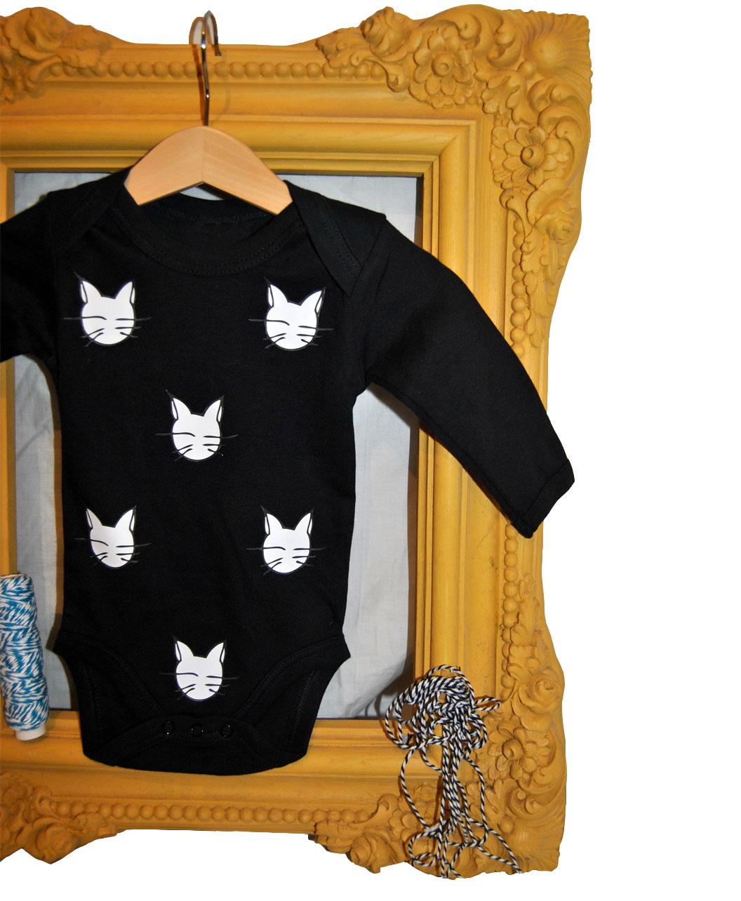 bodie bebe algodon organico original manga larga negro gatos