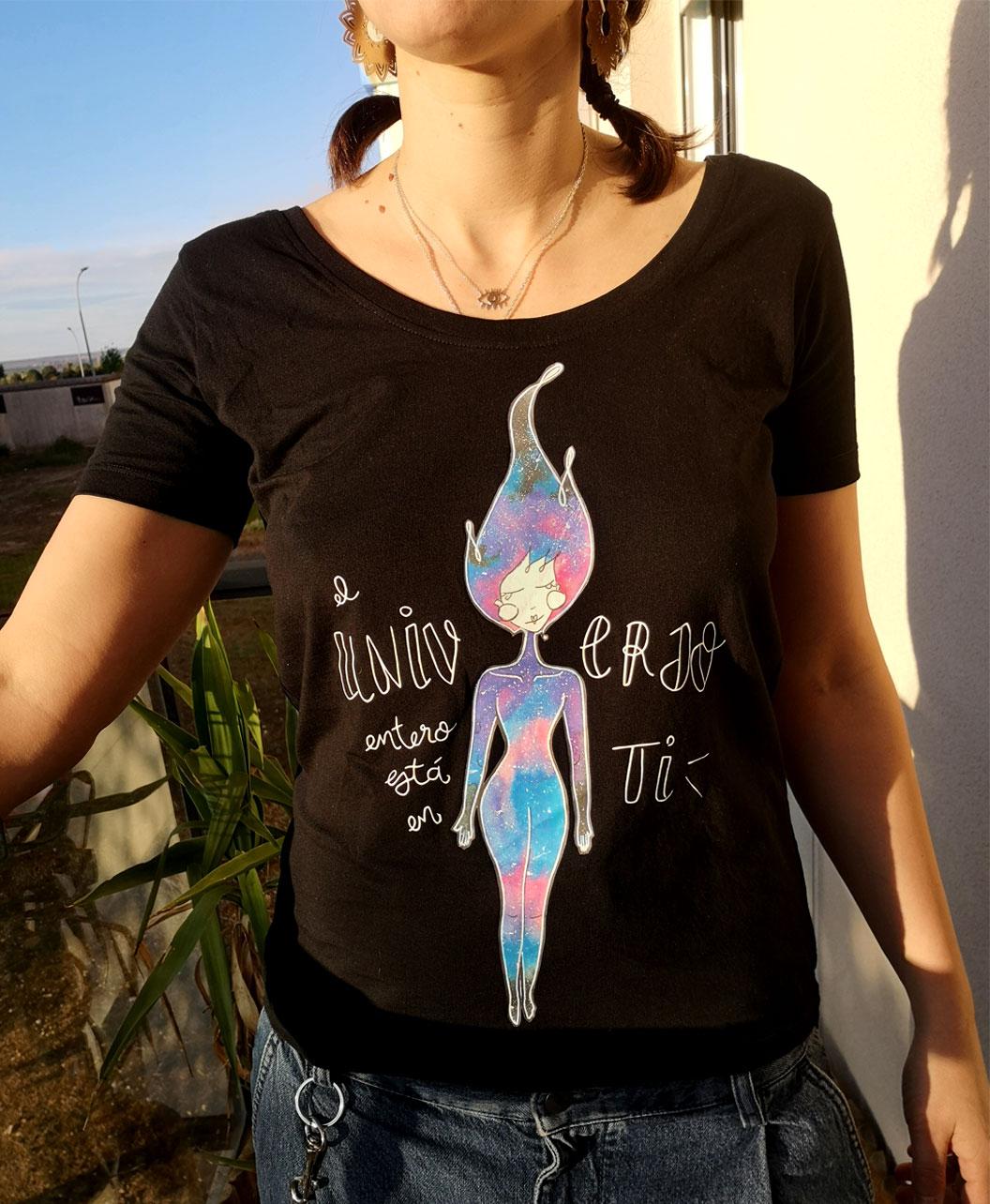 camiseta con ilustracion diferente y original universo