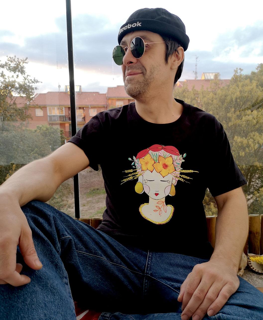 camiseta basica unisex negra manga corta originale divertida chica flores