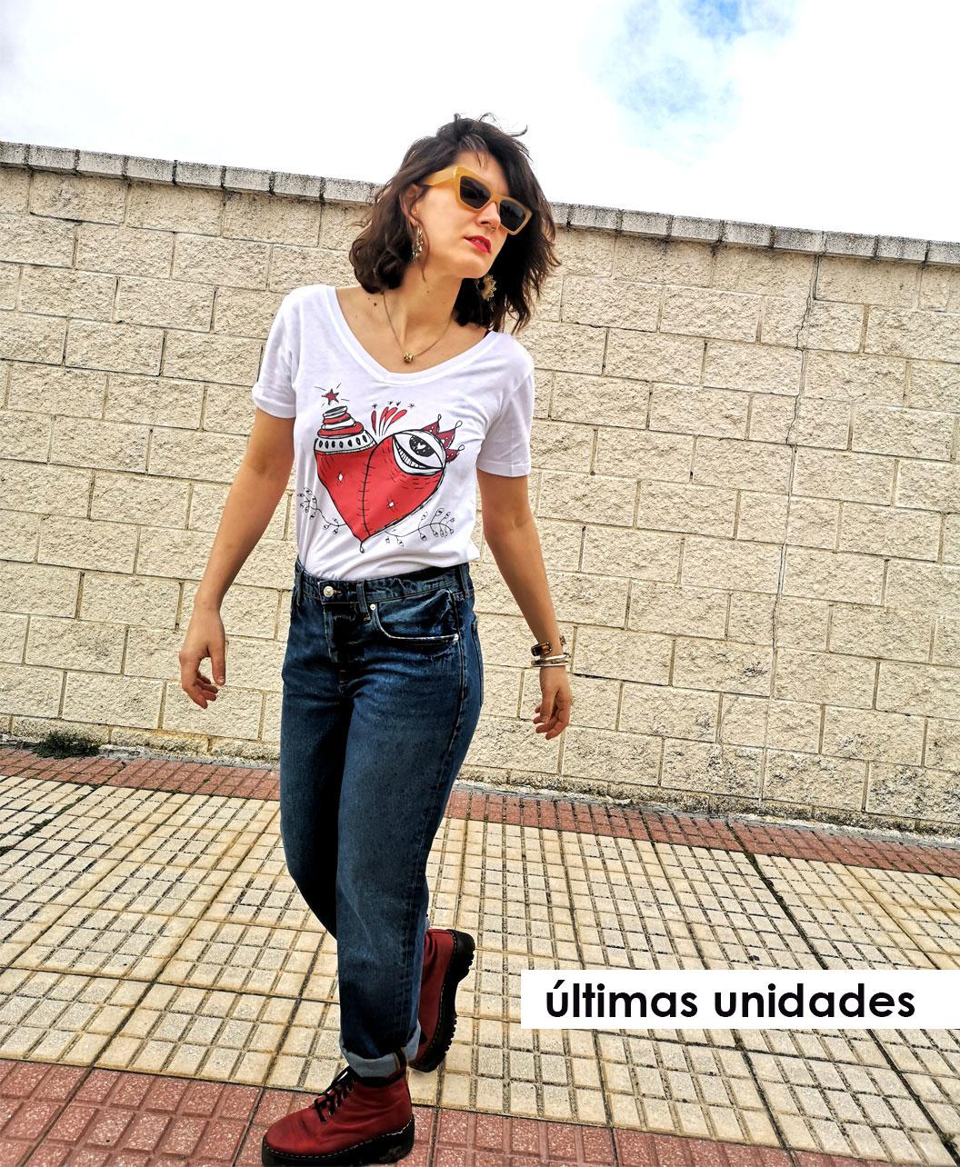 camiseta mujer algodon organico original diferente ilustracion corazon malherido