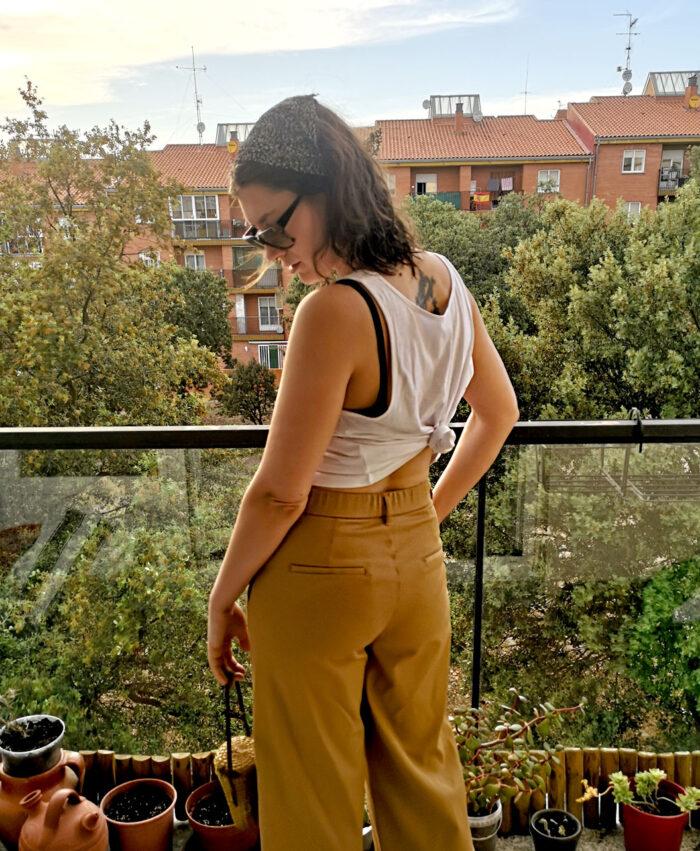 camiseta crop tirantes mujer algodon organico blanca ojo girasol