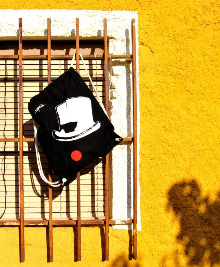 mochila estilo alternativo con ilustracion original circo