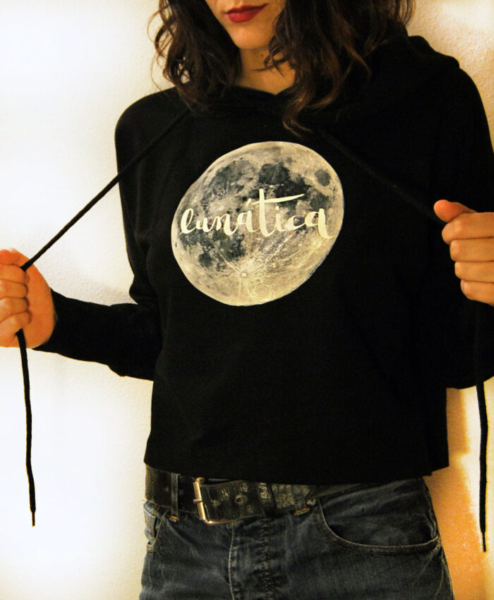sudadera corta algodon organico original diferente moda alternativa ilustracion luna llena lunatica