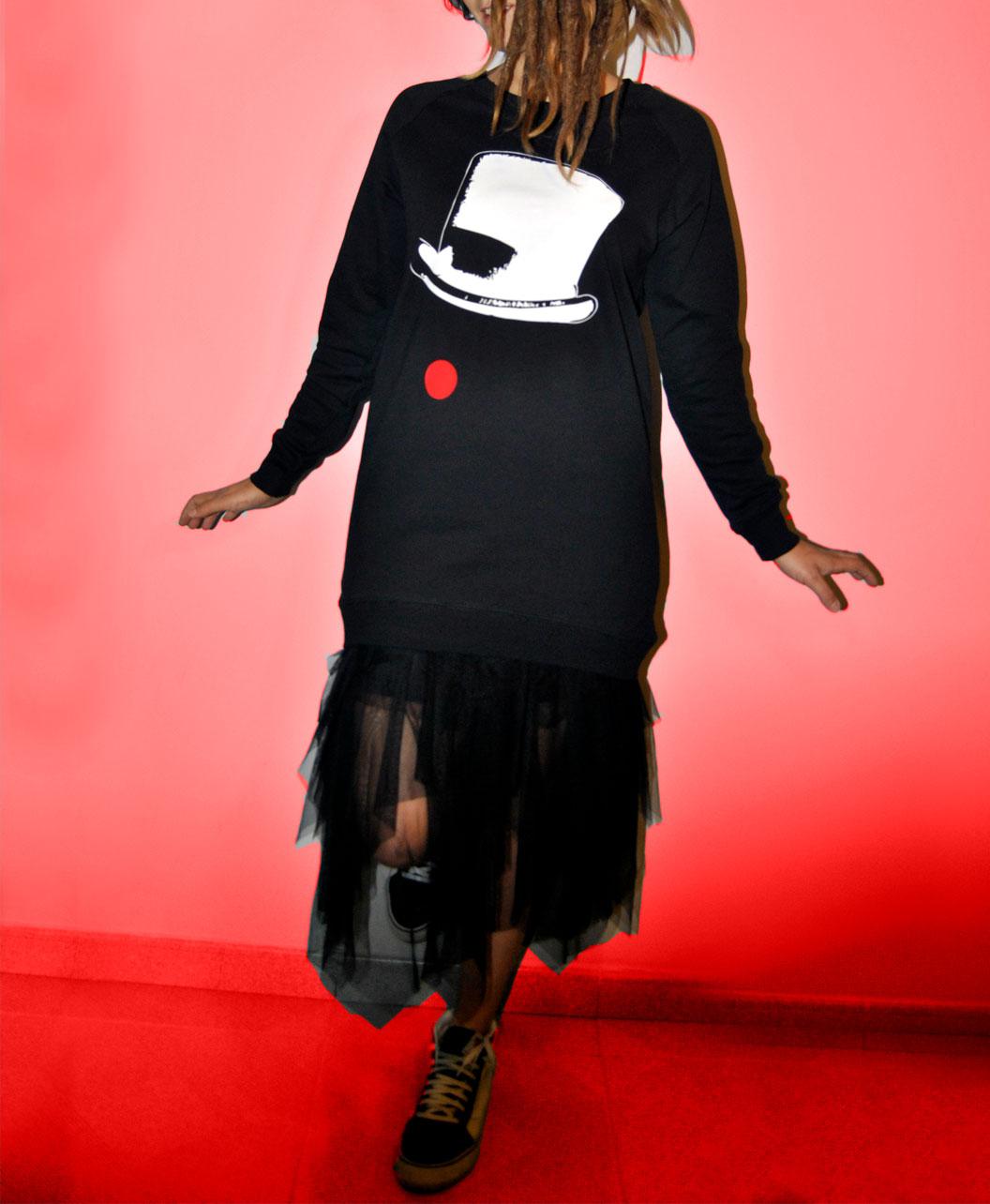 sudadera larga mujer negra con disenos originales y diferentes sombrero nariz payaso circo