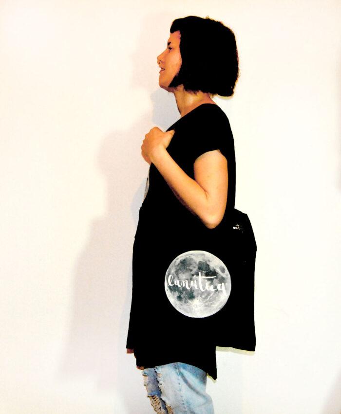 totebag original diferente estilo alternativo ilustracion texto luna luna llena lunatica