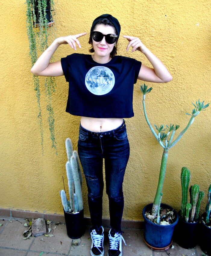 camiseta crop manga corta algodon organico mujer luna llena lunatica