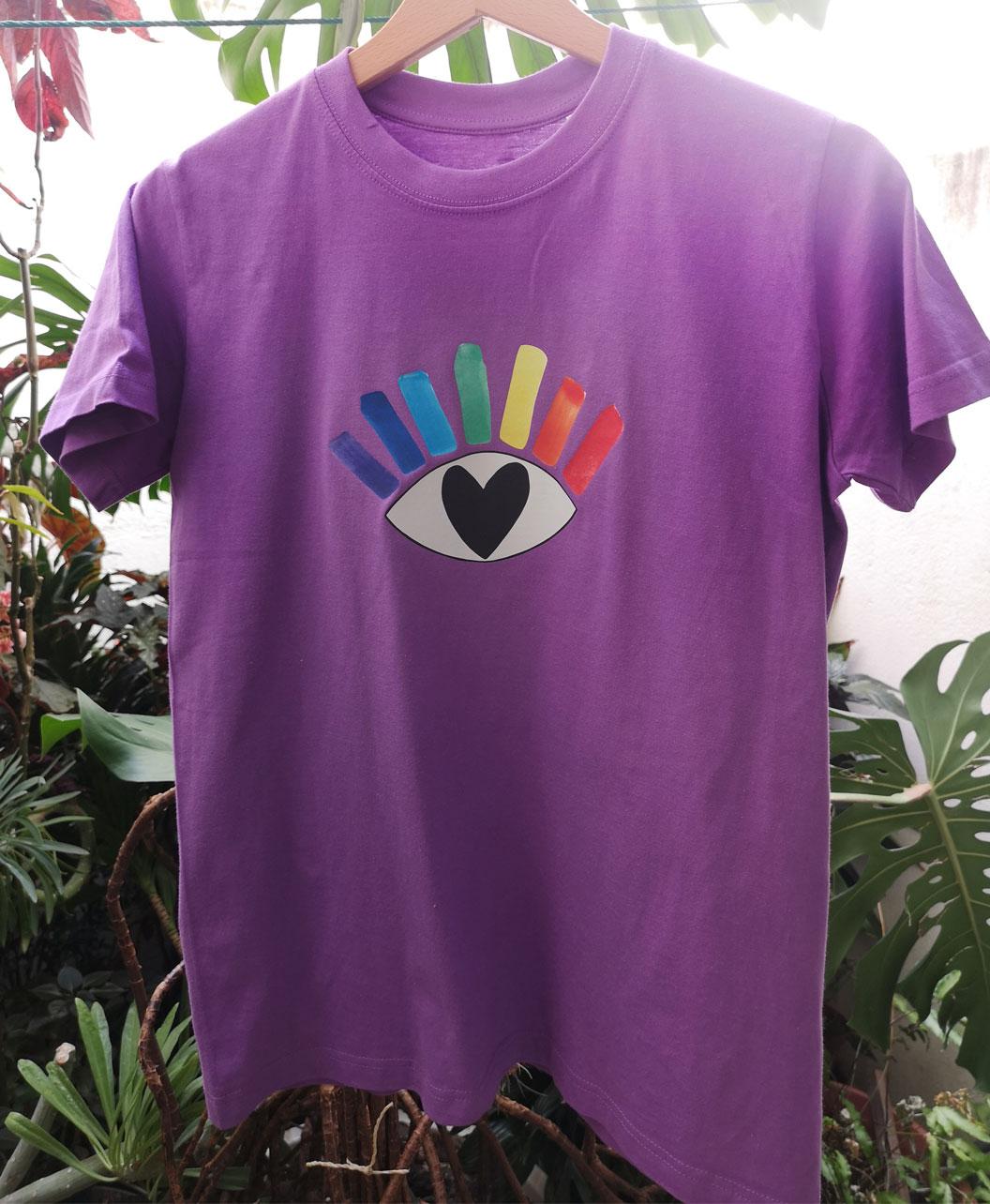 camiseta kids algodon organico morada ilustracion ojo arcoiris