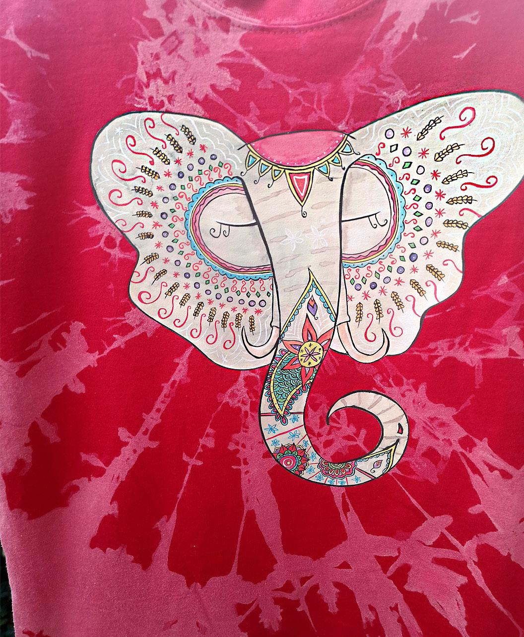 camiseta ninos tie dye roja divertida alegre ilustracion elefante indio