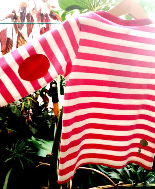 camiseta baby manga larga coderas rojas rayas rosas estilo alternativo calavera