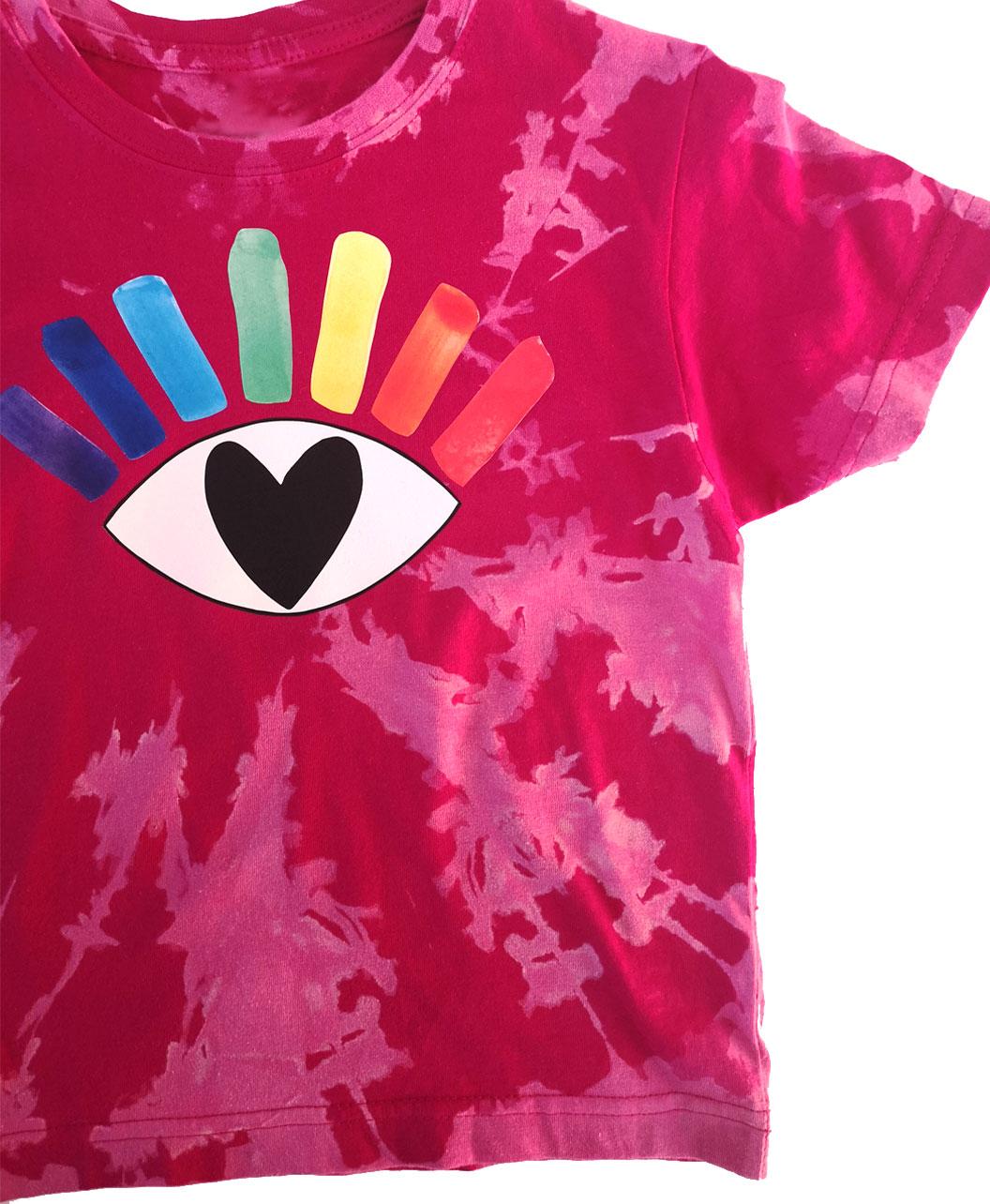 camiseta infantil manga corta tie dye alegre colorida diferente ilustracion ojo arcoiris