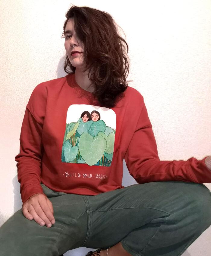 sudadera crop corta mujer color teja algodon suave calentita original con ilustracion plantas y frase build your oasis