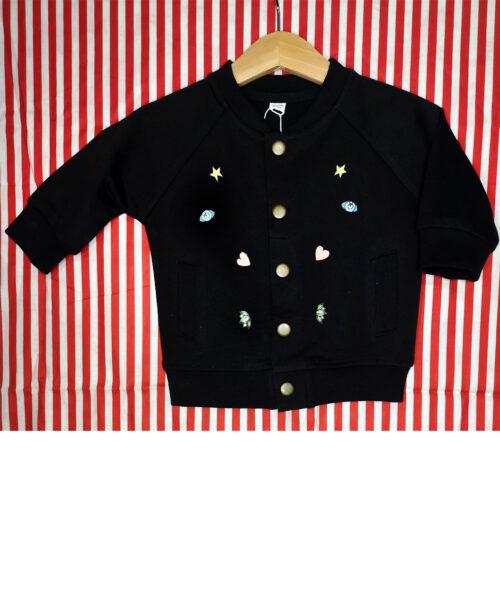 chaqueta baby bomber negra algodon organico botones laton bolsillos estilo alternativo original diferente ilustracion luna llena moon