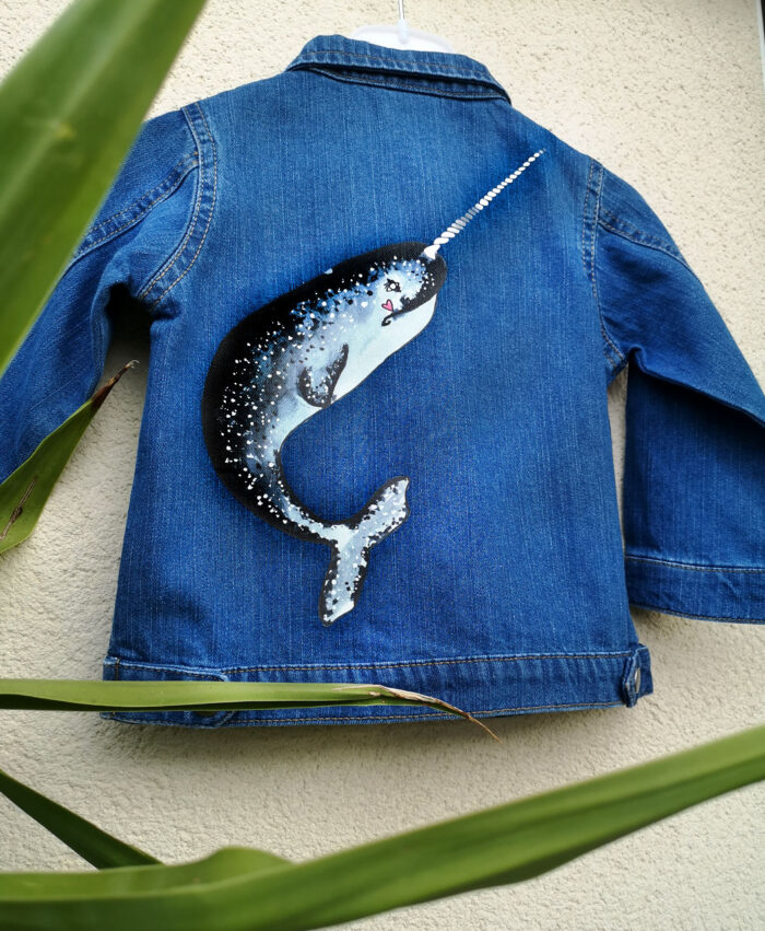 chaqueta vaquera baby denim algodon organico original unica diferente especial moda infantil alternativa ilustracion narval ballena unicornio