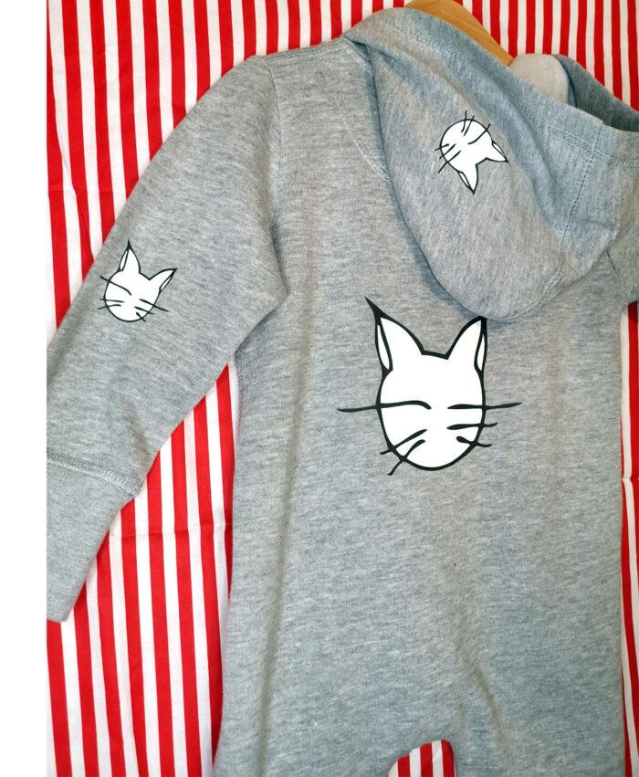 chandal enterizo tipo buzo overall baby gris original diferente comodo ilustraciones gatos