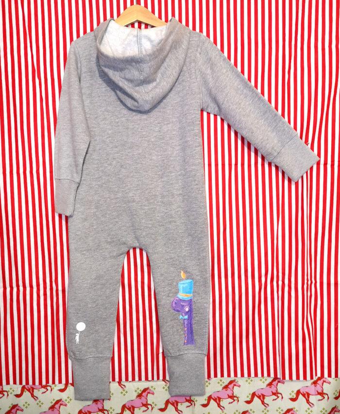 overall chandal buzo cremallera comodo calentito baby gris original diferente moda alternativa infantil ilustracion titeres
