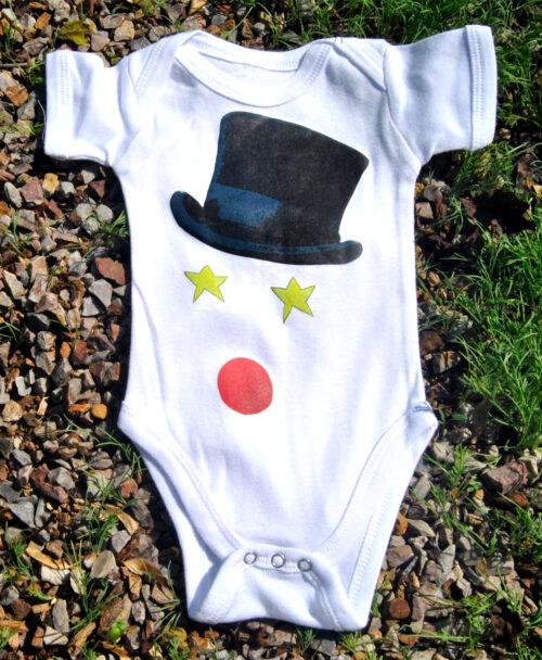 body bebe manga corta blanco algodon organico dibujos intantiles disenos originales y diferentes circo sombrero nariz payaso estrellas