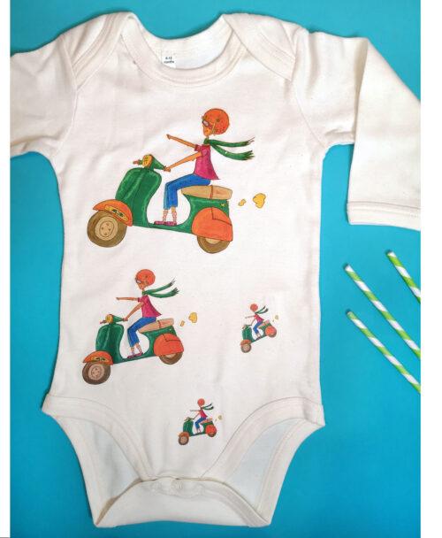 body bebe manga larga color crema algodon organico original dibujos intantiles motorista vespa velocidad