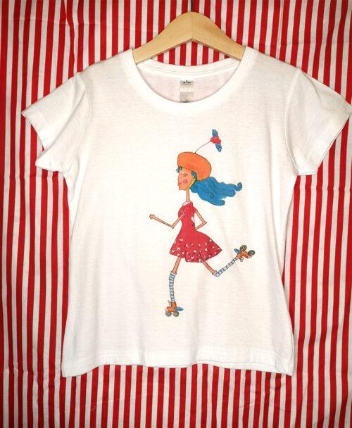 camiseta infantil unisex manga corta blanca con ilustraciones diferentes y originales dibujo patinadora patinaje corazones