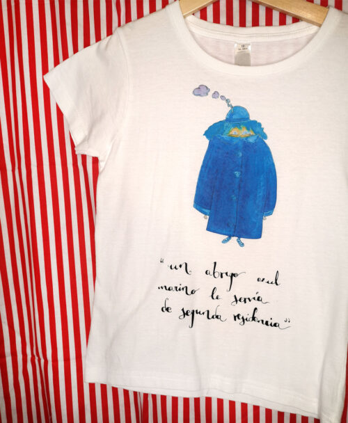 camiseta manga corta infantil blanca original bonita un abrigo azul le servia de segunda residencia