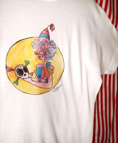 camiseta blanca manga corta infantil ilustracion colorida payaso arlequin triste calavera hamlet