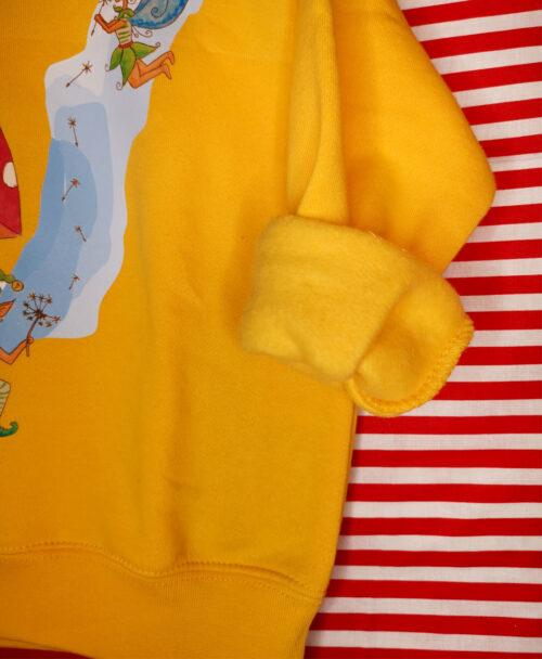 sudadera infantil amarilla colorida alegre con dibujos originales seta duende hada fantasia bosque cuento
