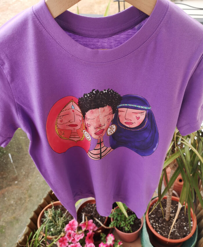 camisetas ninias algodon organico morada manga corta ilustracion mujeres del mundo