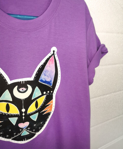 camiseta infantil morada manga corta algodon organico moda alternativa gato negro