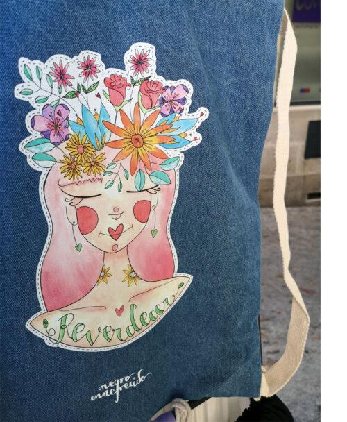 mochila saco denim tejido vaquero algodon original diverente divertida dibujo chica pelo flores reverdecer