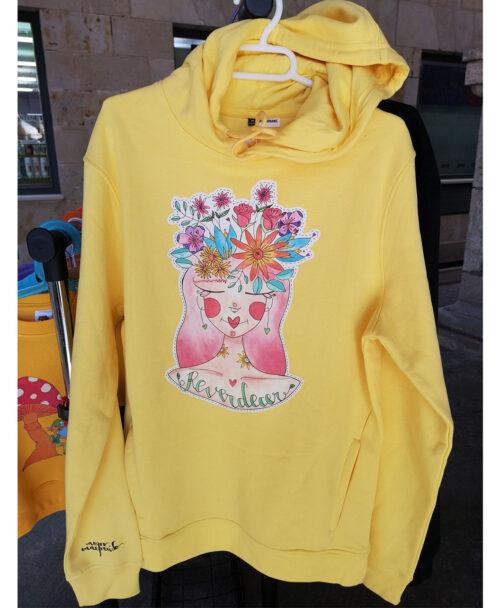 sudadera capucha bolsillos algodon organico unisex amarillo estilo alternativo ilustraciones diferentes con mensaje chica pelo flores reverdecer