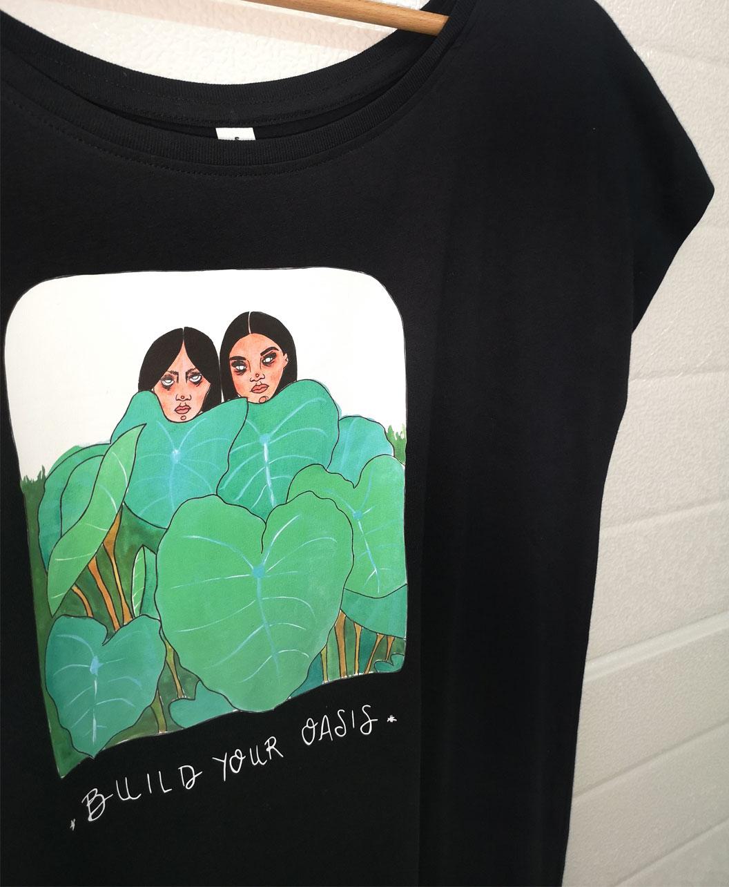 tunica mujer algodon organico negra original femenina estilo alternativo con ilustraciones diferentes y mensaje plantas chicas build your oasis